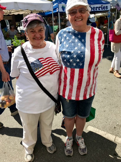 Post image for Spotted: Patriotic sisters at the Menlo Park farmers market