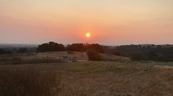 Post image for Spotted: Fiery sun rising at start of another hot day in Menlo Park