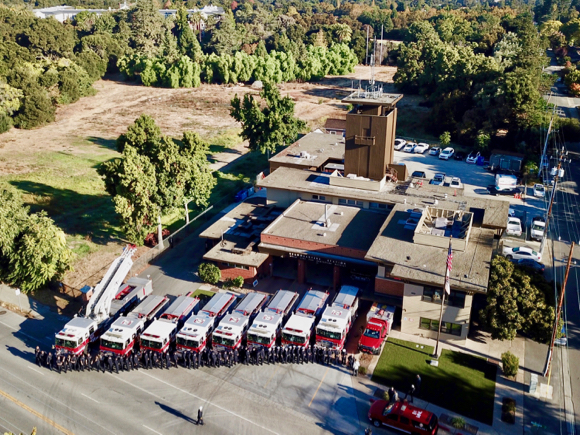 Post image for Menlo fire fighters and district officials gather for official 100th anniversary photo