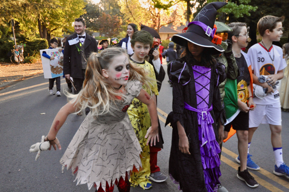 Oak Knoll Elementary School's Halloween parade takes to the streets