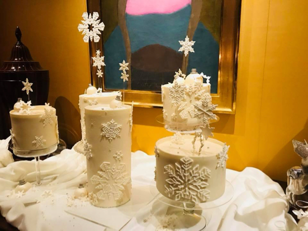 Spotted: Studio Cake with a snow flake theme