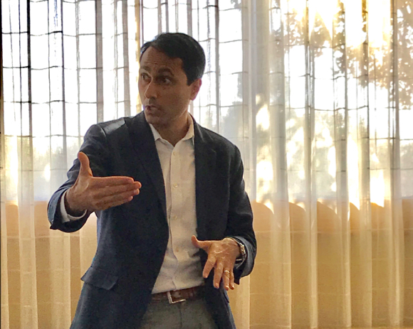 Post image for Eboo Patel speaks about his work as founder of Interfaith Youth Core
