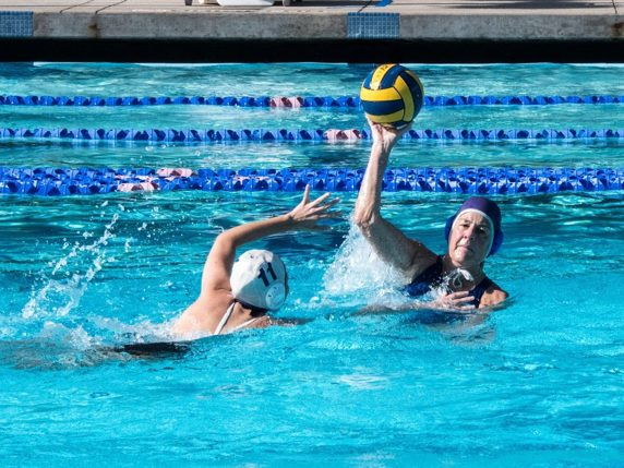 Menlo Mavens is recruiting water polo players ages 19 and up