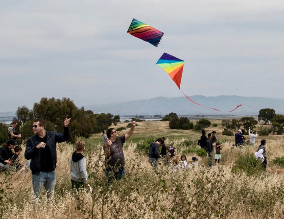 Post image for Kites take to the skies over Menlo Park