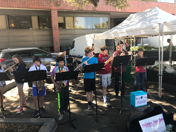 Post image for Spotted: Hillview Jazz Band at the Menlo Park Farmers Market