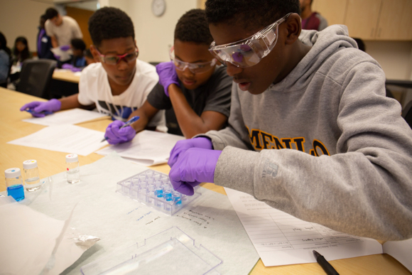 Post image for Middle schoolers participate in the Greene Scholars Program Summer Science Institute at SLAC