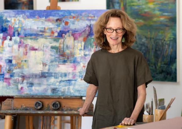 Elaine McCreight is a poet turned painter