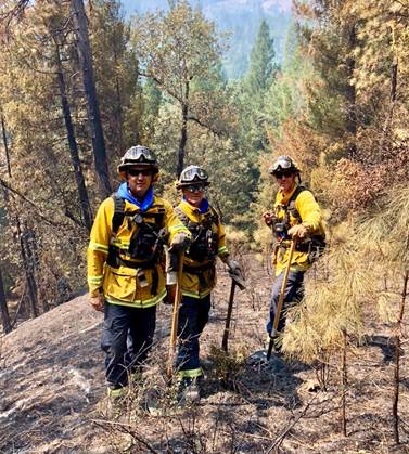 Post image for Menlo Park firefighters continue to battle Carr Fire near Rainbow Lake