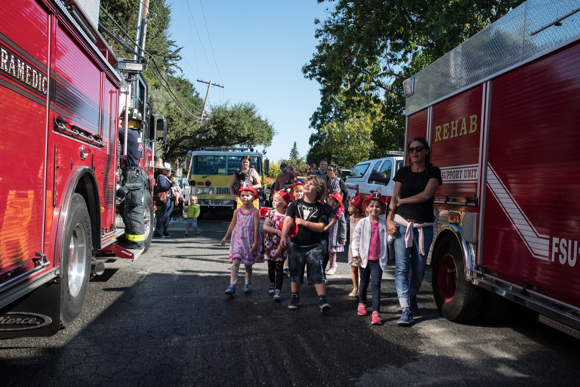 Post image for Annual Peninsula Firefighters Relay to benefit burn survivors stops in Menlo Park