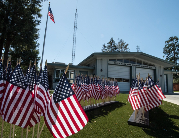 Post image for Flags displayed at Menlo Park Fire Stations in remembrance of 9/11