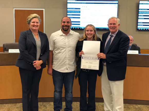 Post image for M-A student Elise Kratzer receives Jefferson Award for community service and leadership