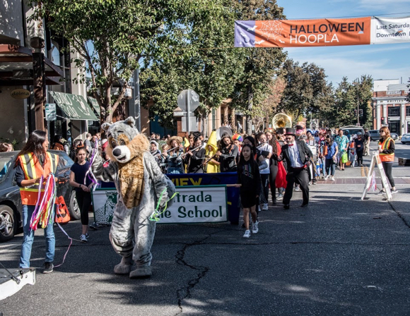 Costumes of every kind on display at Menlo Park's Halloween annual parade