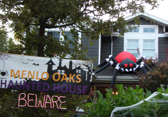 Menlo Oaks neighborhood shows it knows how to have fun on Halloween
