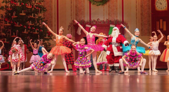 'Twas the Night Before Christmas plays on  Dec. 2, 8, & 9