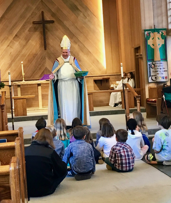 Post image for Spotted: St. Nicholas bearing gold coins for children at Trinity Church in Menlo Park