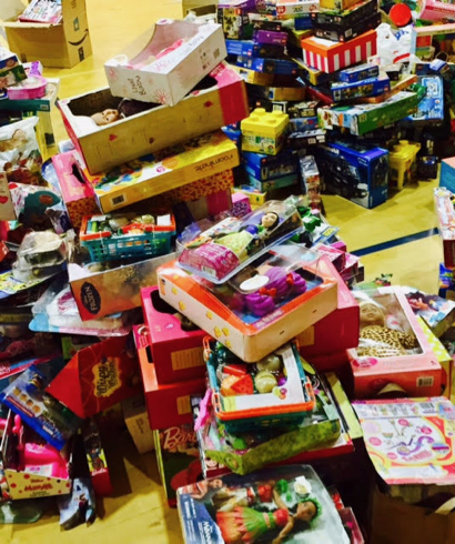 Willows neighbors embark on ambitious toy drive for 2,500 kids in the Ravenswood school district