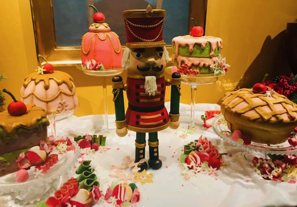 Again, trust us. These are spectacular Christmas cakes