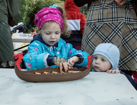 Post image for Spotted: Kids and carolers at Russian Orthodox Christmas bazaar in Menlo Park