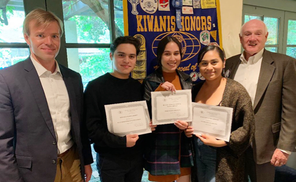 Eight M-A seniors receive scholarships from the Menlo Park Kiwanis Club