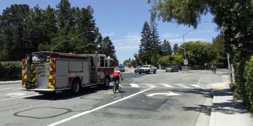 San Mateo County to begin Santa Cruz Avenue lane closure pilot program