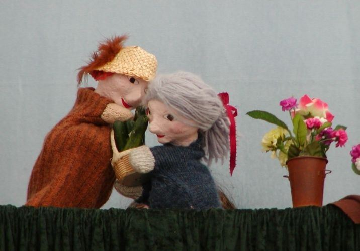 """Tinker Coin Productions brings """"The Garden Show"""" to Belle Haven branch of library on Aug 11"""