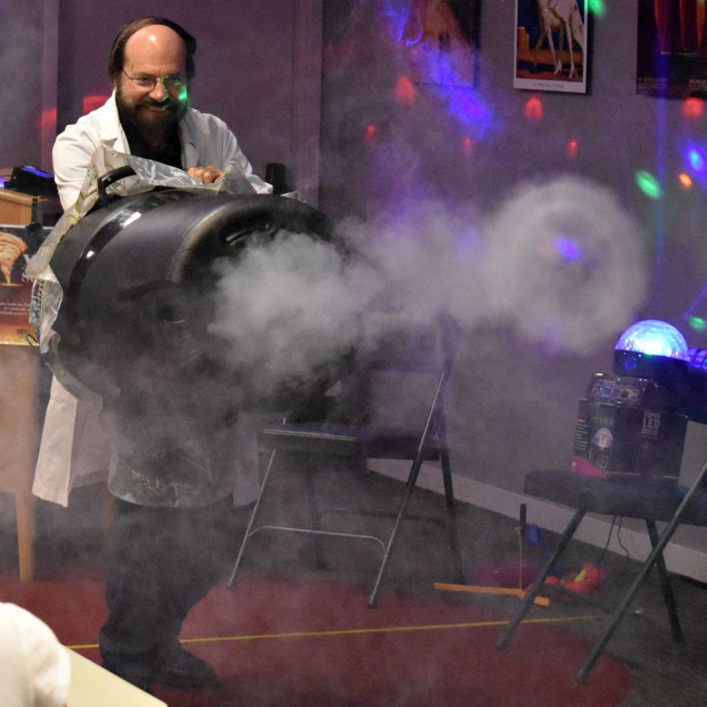 Xtreme Science Magic comes to Belle Haven branch of the library on Aug. 7