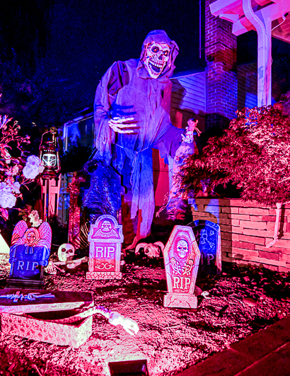 Spotted: Ghoulish front yard on Ringwood Avenue