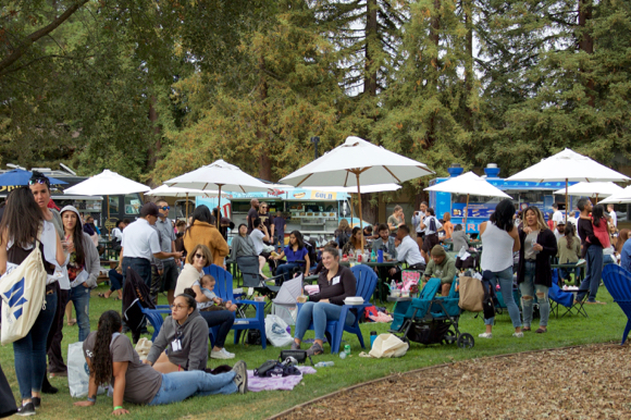 Alums and students gather at Menlo College for 5th annual OAKtoberFest
