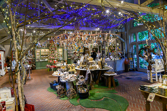 A peek behind the scenes as Filoli got decorated for the 2019 holiday season