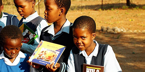 """""""From Menlo Park to Botswana: A Peace Corps Odyssey"""" is topic at Menlo Park Library on Dec. 18"""
