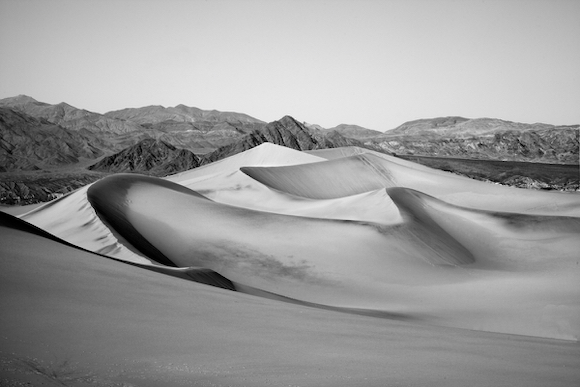 Photographer Scott R. Kline's road trip photos – a black and white perspective