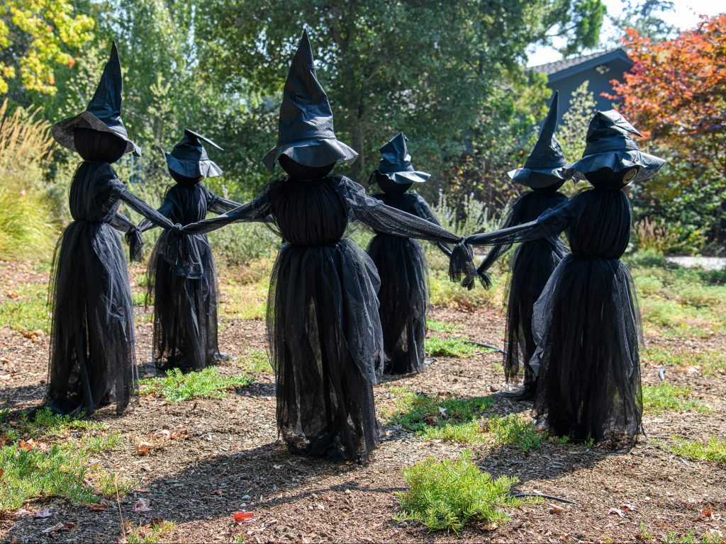 Witch circle debuts in Menlo Park in time for Halloween