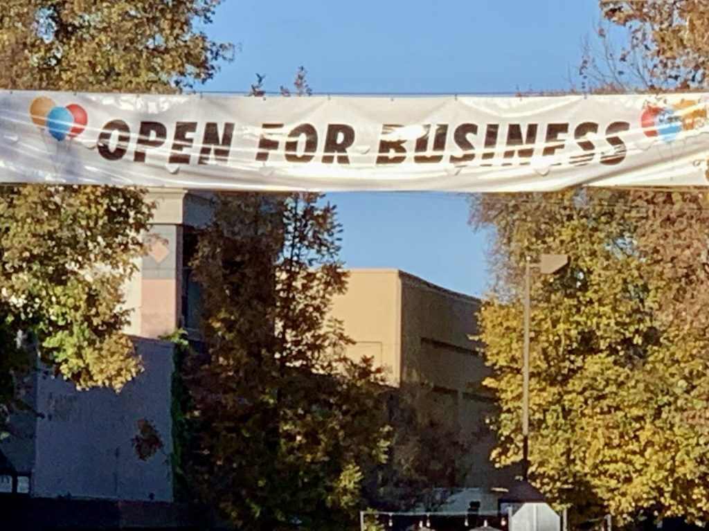 Support local merchants on Small Business Saturday