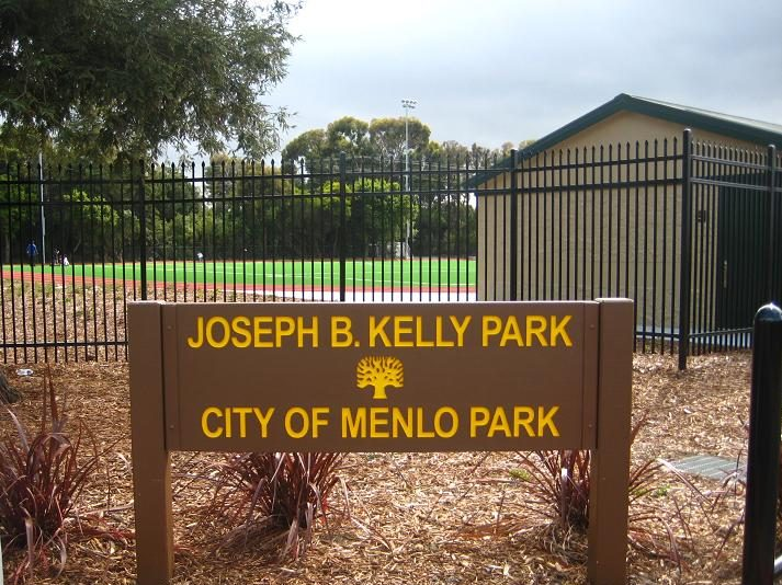 Play pickleball in Menlo Park at Kelly Park