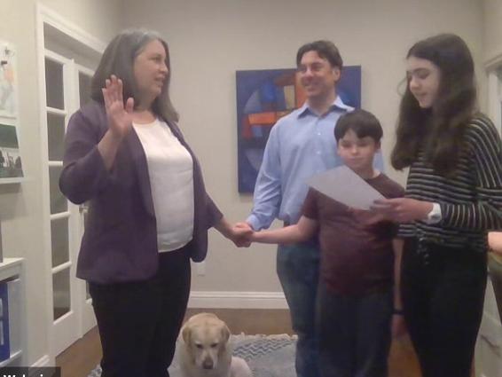 Newest Menlo Park City Council member Jen Wolosin sworn in last night
