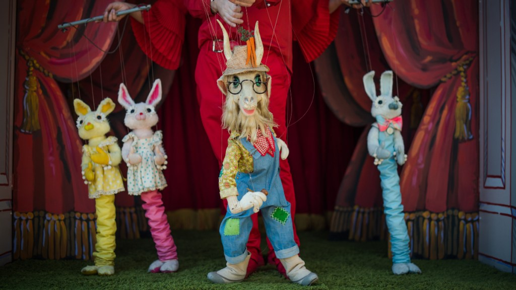 Watch Bob Baker Marionette Theater: Day on the Farm on January 9