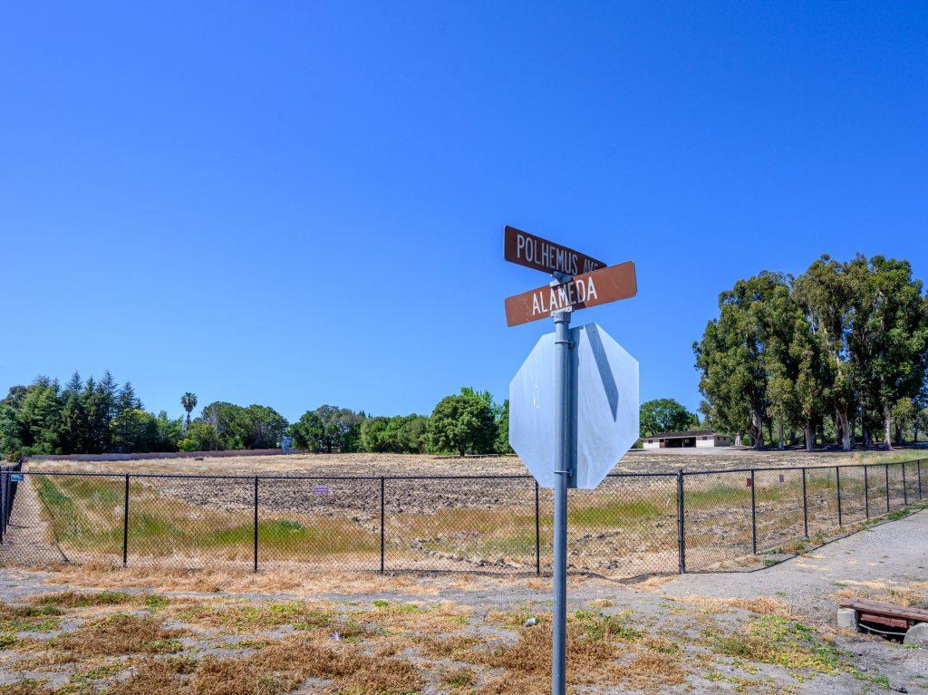 Vineyard on the Alameda is no more