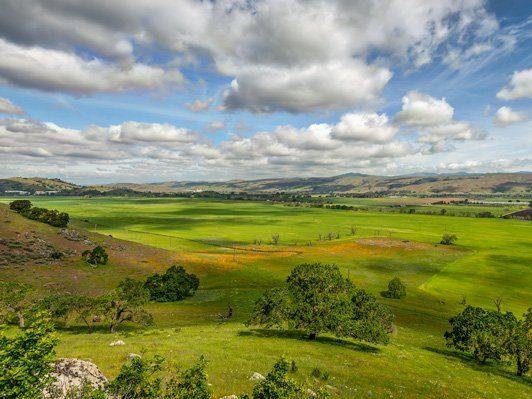 7 nearby hikes with awe-inspiring views