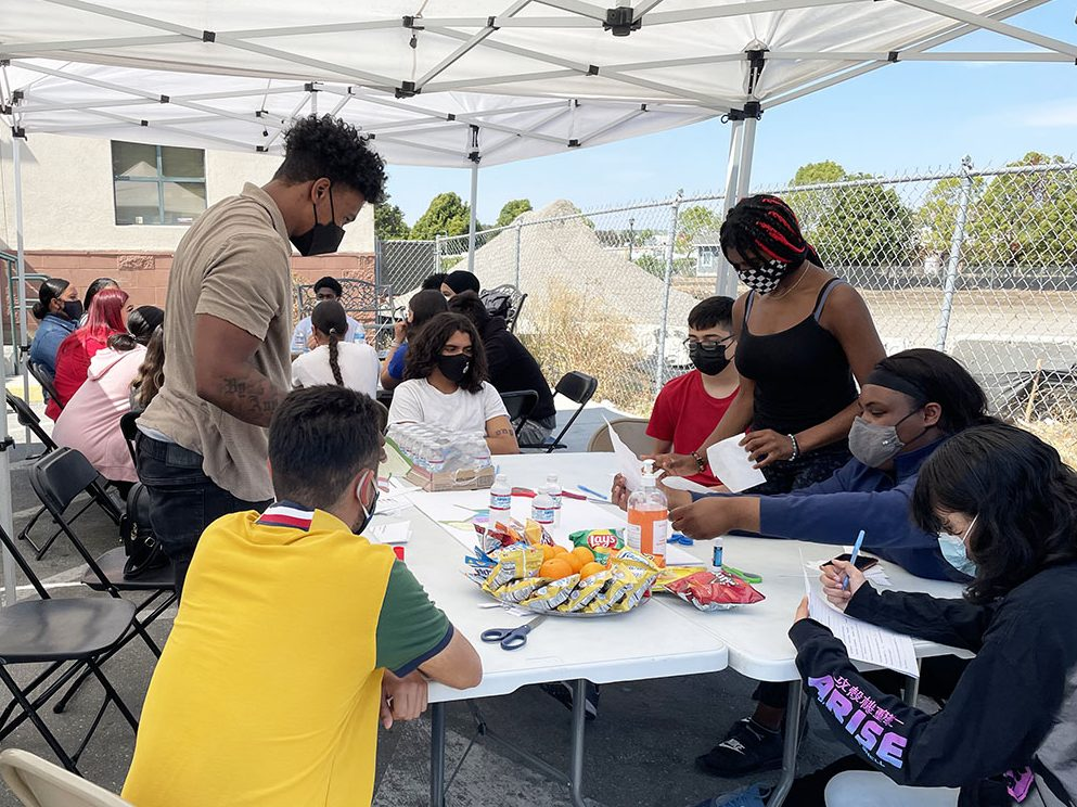 Summer program gives Belle Haven teens valuable life skills – and a paycheck