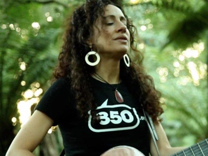 350 Silicon Valley hosts benefit concert featuring singer-songwriter Deborah Levoy on October 23